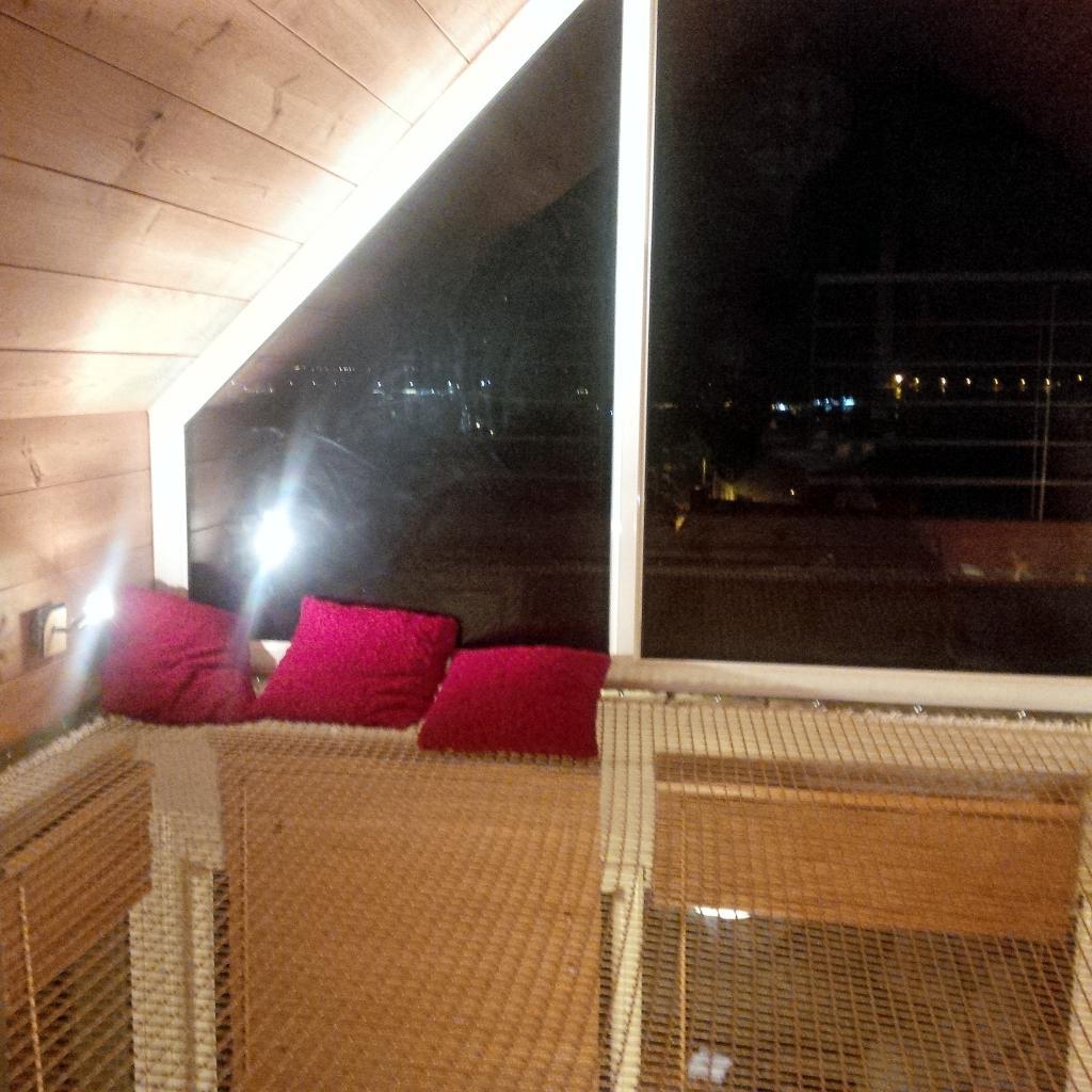 support et filet d 39 habitation. Black Bedroom Furniture Sets. Home Design Ideas