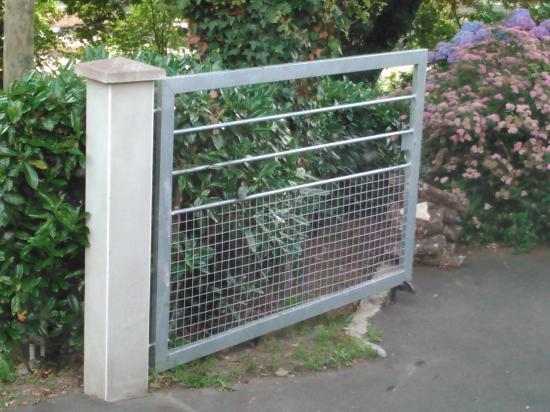 portail acier galvanisé