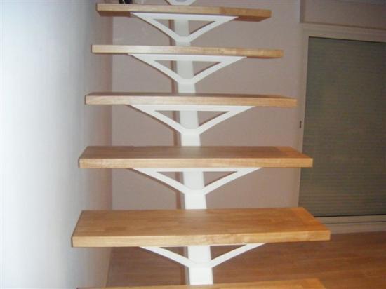 Escalier droit acier laqué